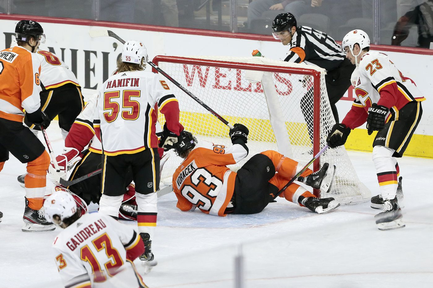 Flyers let one get away in 3-2 shootout loss to Calgary