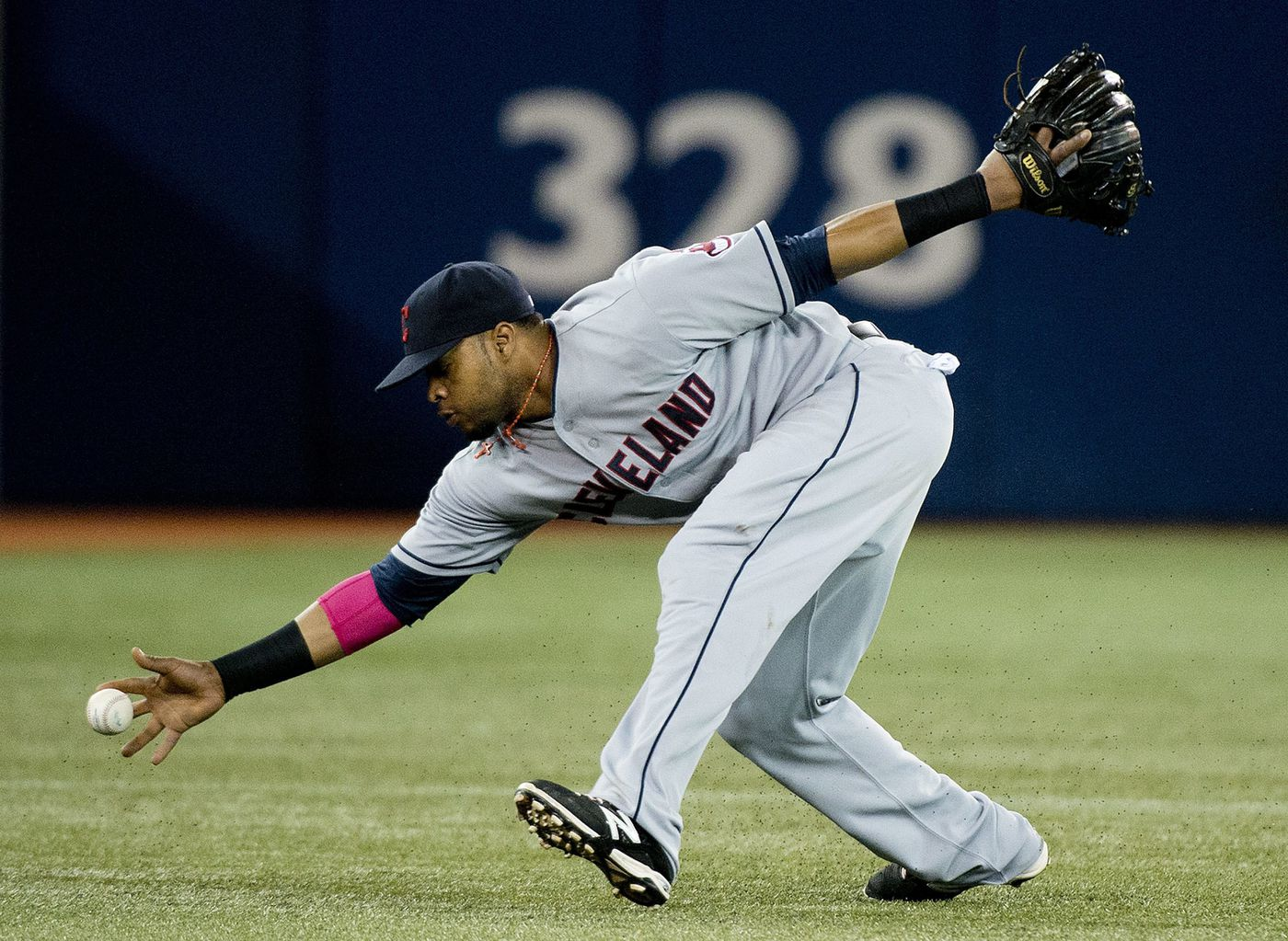 Cleveland Indians coach: Carlos Santana 'more prepared to be at third base now' for Phillies