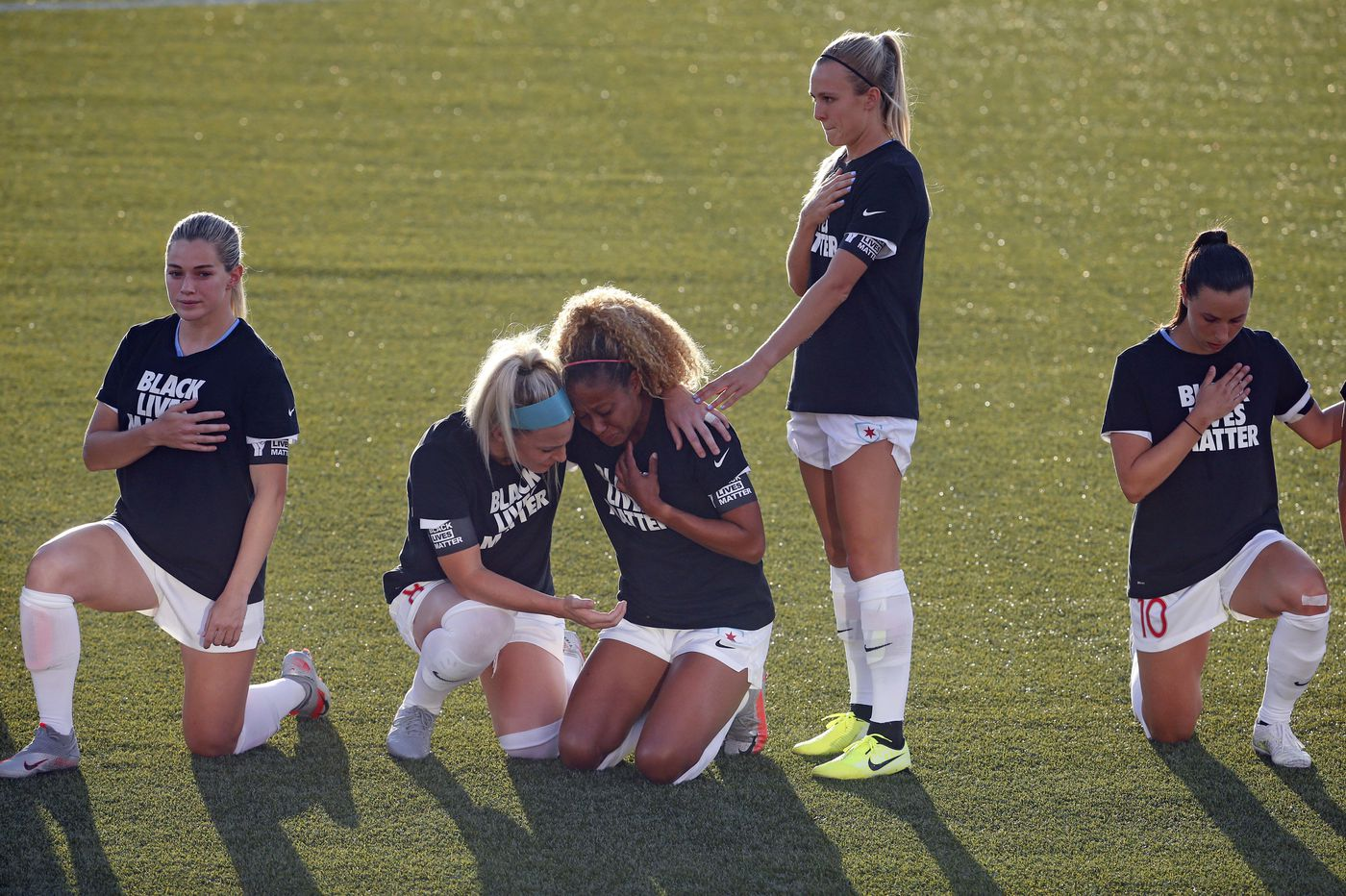 NWSL players kneel during national anthem on Challenge Cup's opening day