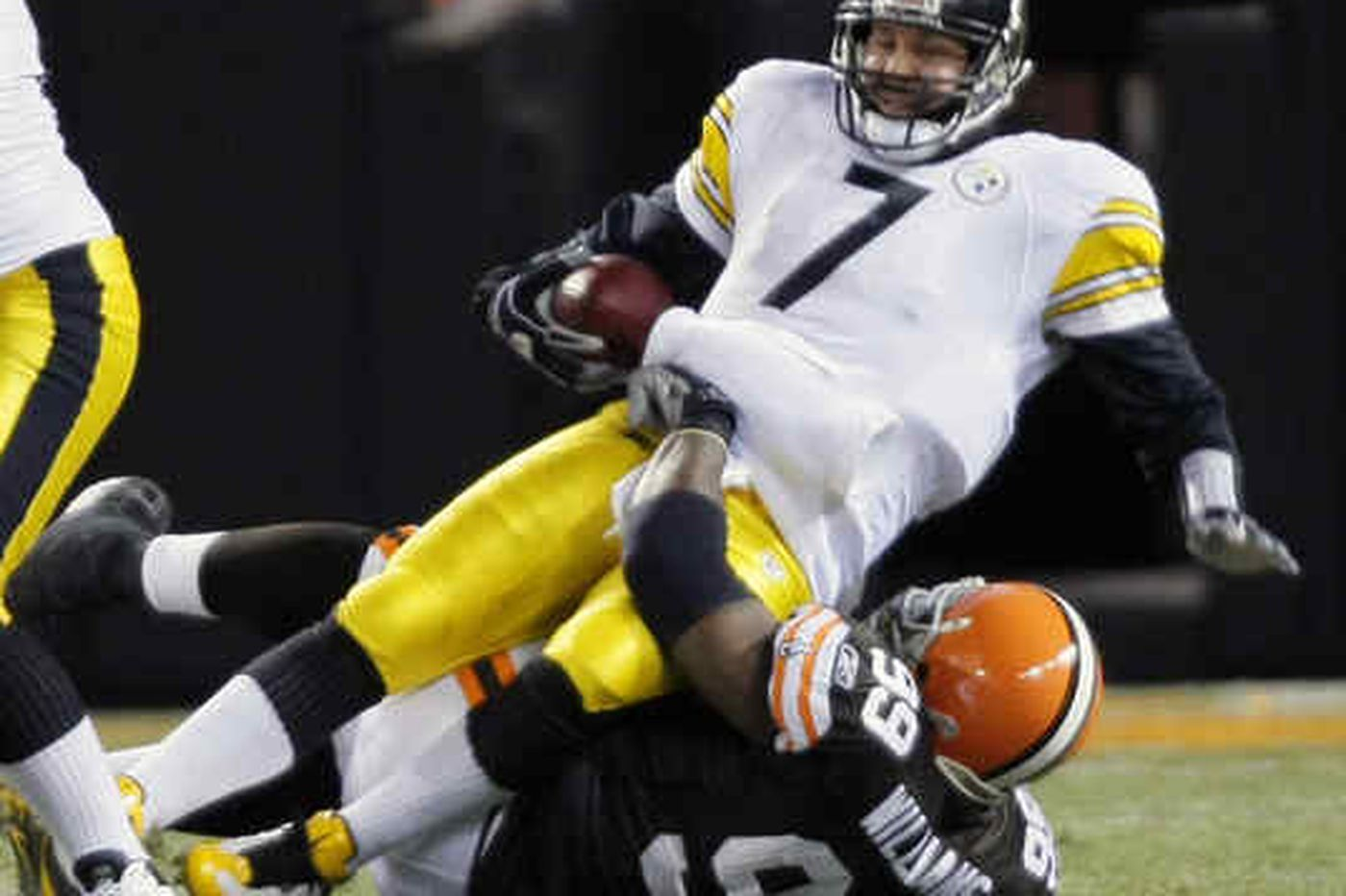 NFL: Steelers' skid at 5 as Browns prevail