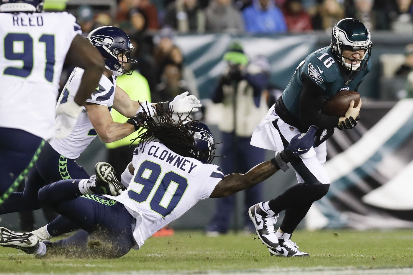 Eagles-Seahawks observations: Josh McCown steps up with Carson Wentz out, Russell Wilson makes big plays | Marcus Hayes