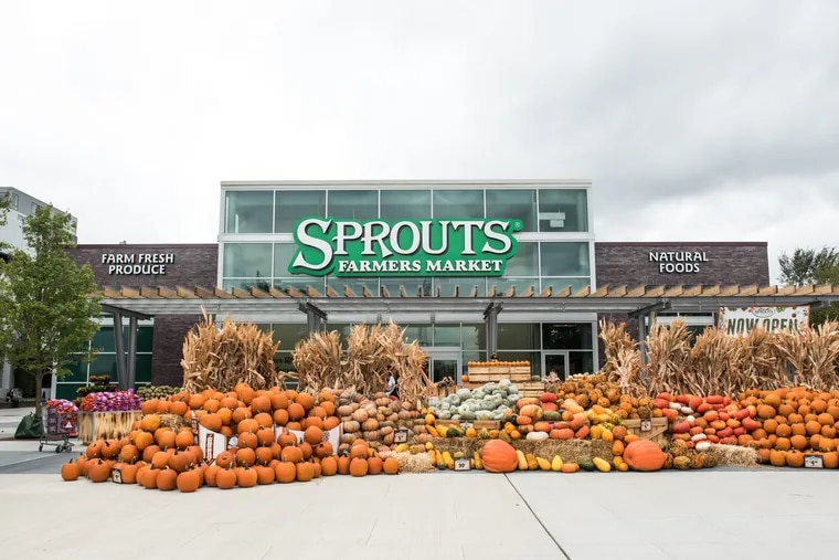 Last week, Pennsylvania's first Sprouts Farmers Market opened up, bringing a 32,000 square foot, health-focused grocery store to South Philadelphia's Lincoln Square.