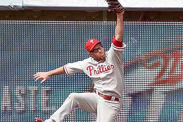Lidge blows save as Phils fall to L.A.
