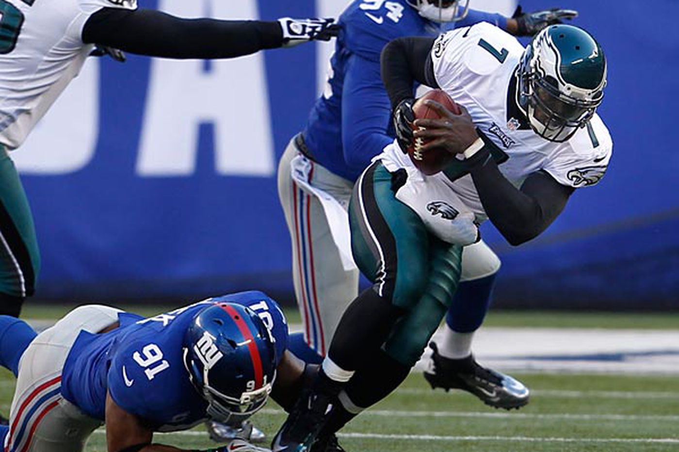 Philadelphia Eagles get throttled by New York Giants in Andy Reid's final game