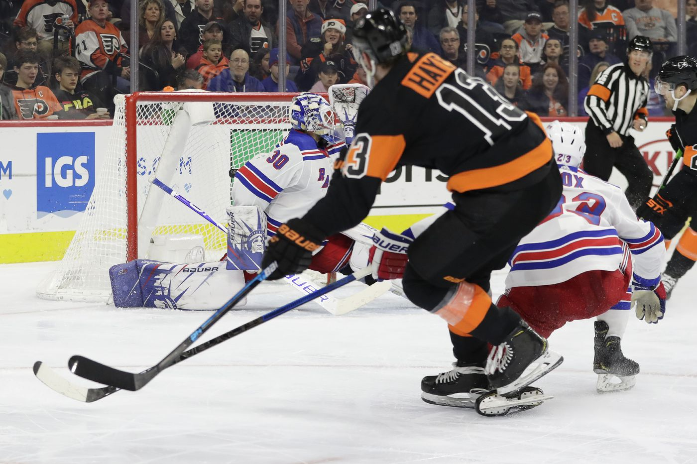 Flyers center Kevin Hayes turns some fans' outrage into outpouring of admiration | On the Fly