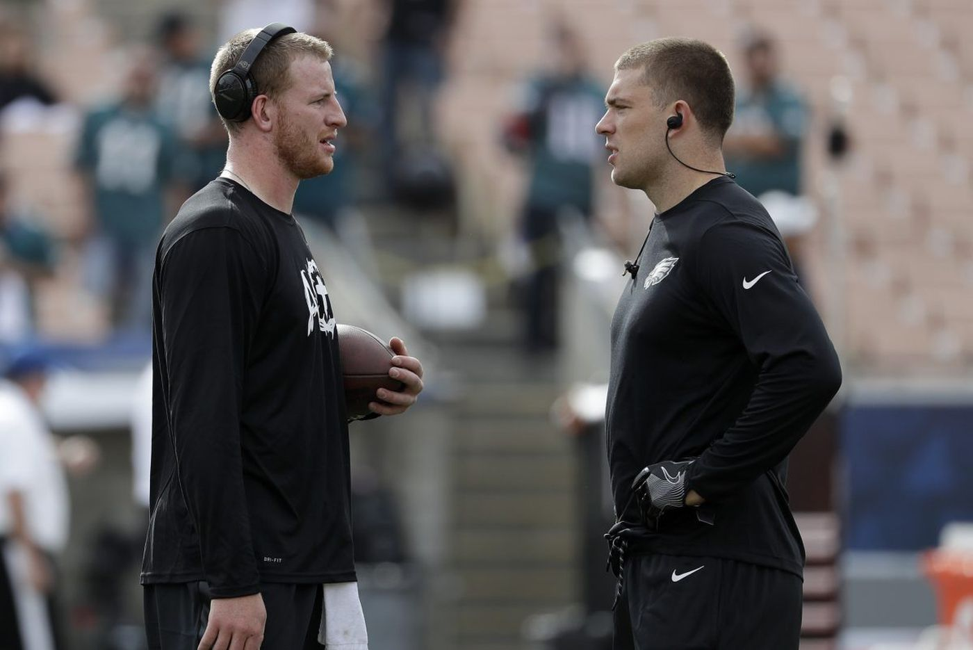 Eagles-Rams inactives: Zach Ertz, Joe Walker out