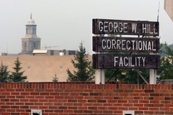 Delco board renews contract with private-prison firm