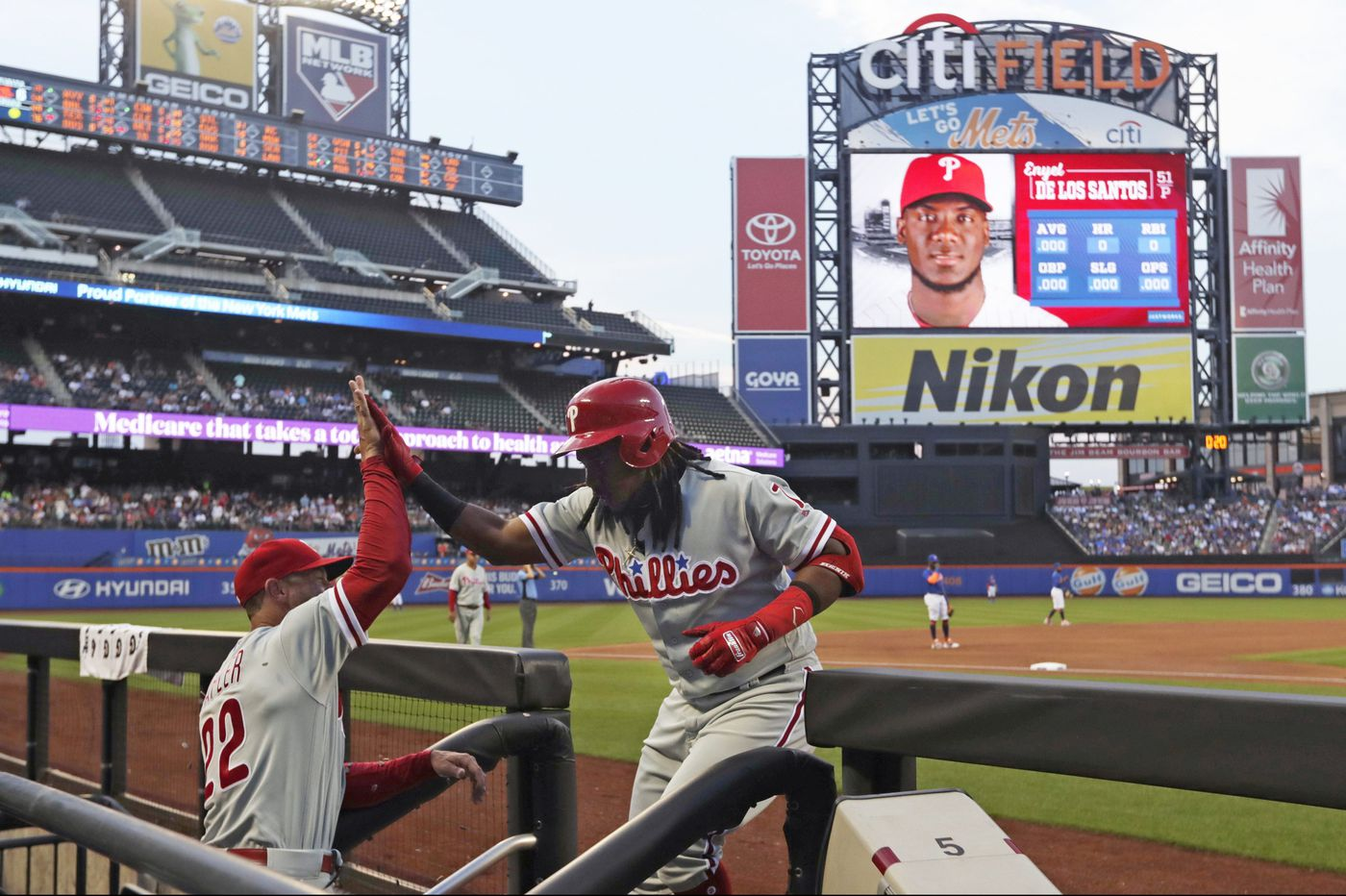 Enyel De Los Santos' arm and Maikel Franco's bat guide Phillies into first | Extra Innings