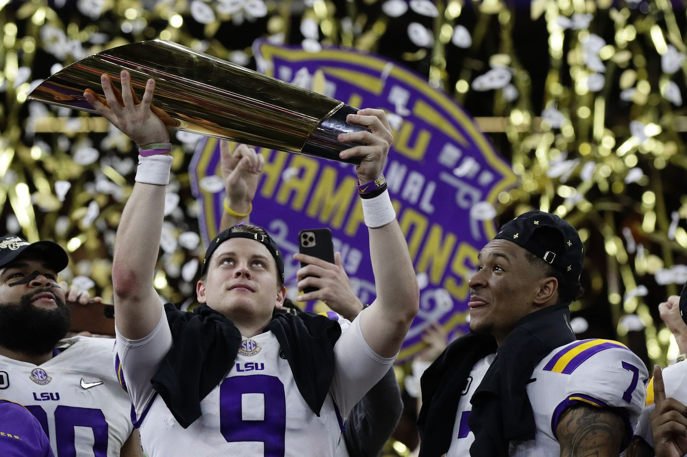 Joe Burrow, LSU cap magical season, beat Clemson for college football national championship