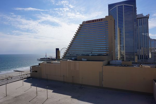 Philly developer Bart Blatstein gets early approval for new casino building near Showboat in Atlantic City