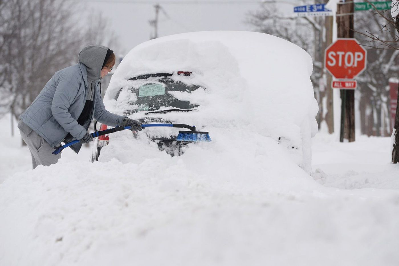 Tips for avoiding car trouble when it's cold and snowing