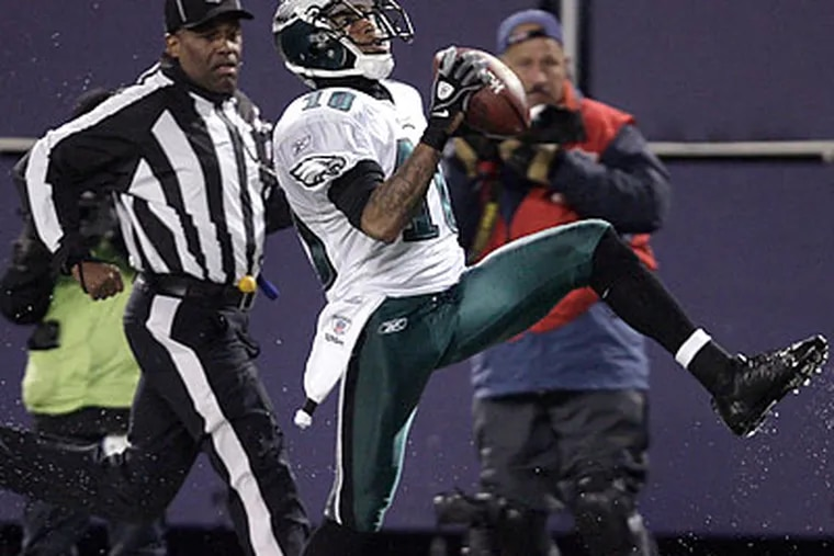 DeSean Jackson scored touchdowns against the Giants on a 72-yard punt return and a 60-yard pass play. (David Maialetti/Staff Photographer)