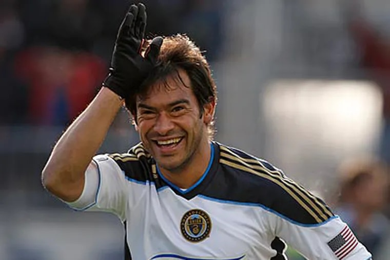 Carlos Ruiz scored the game-winning goal against the Chicago Fire on Saturday night at PPL Park. (Ron Cortes/Staff file photo)