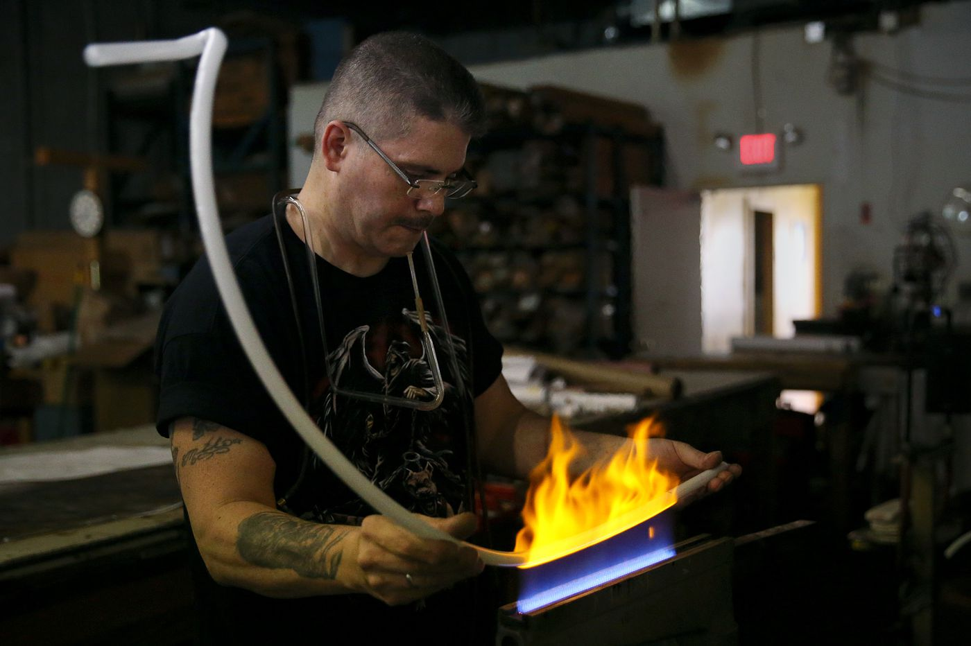 Can neon's comeback among trendy companies save Philly'slast glass benders?