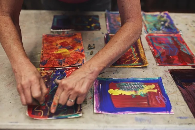 Fleisher Art Memorial in Bella Vista offers a range of online classes and workshops for art lovers and developing artists.