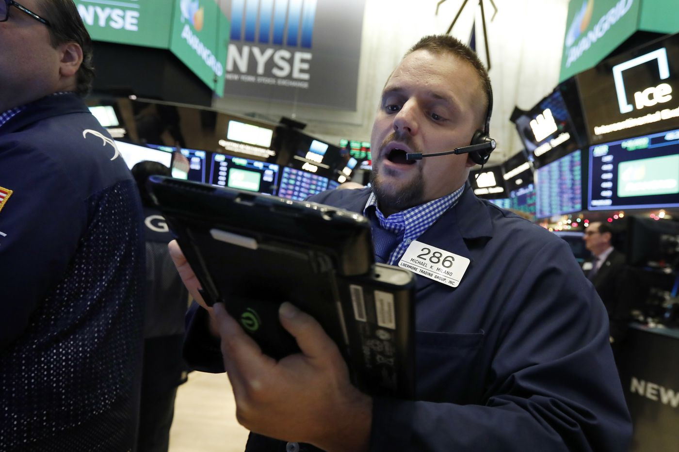 Renewed jitters over trade send Dow down nearly 800