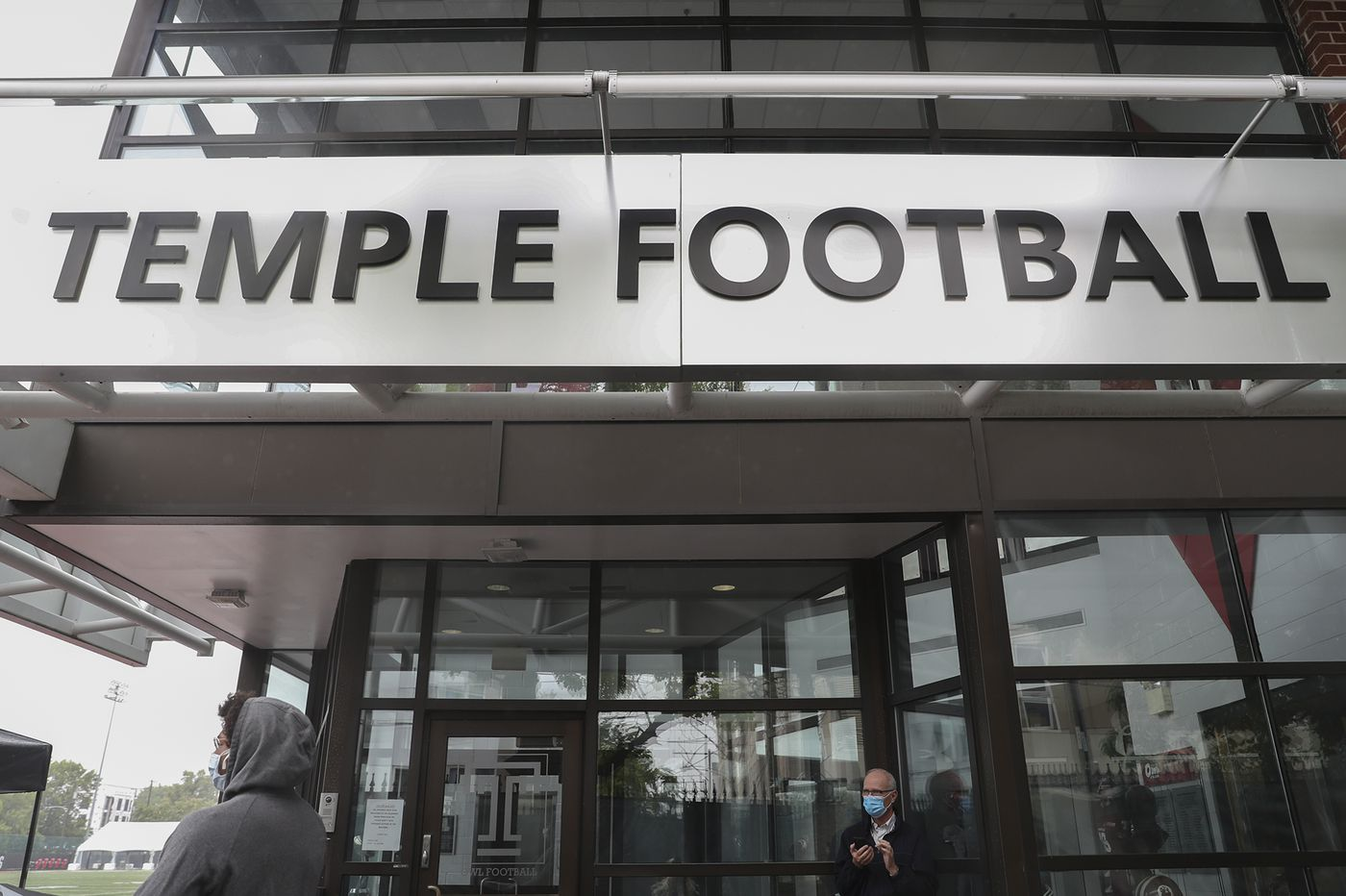 Temple-ECU game delayed nearly 50 minutes due to COVID issue