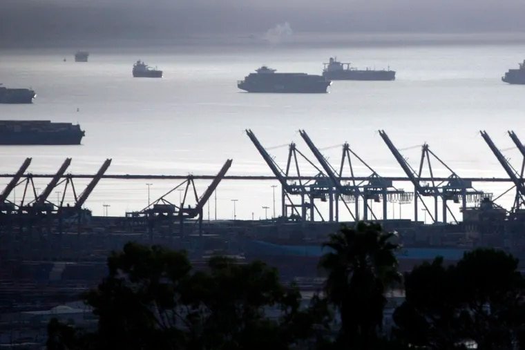 Container ships and cranes at the Port of Los Angeles in San Pedro. (Bob Chamberlin/Los Angeles Times/TNS)