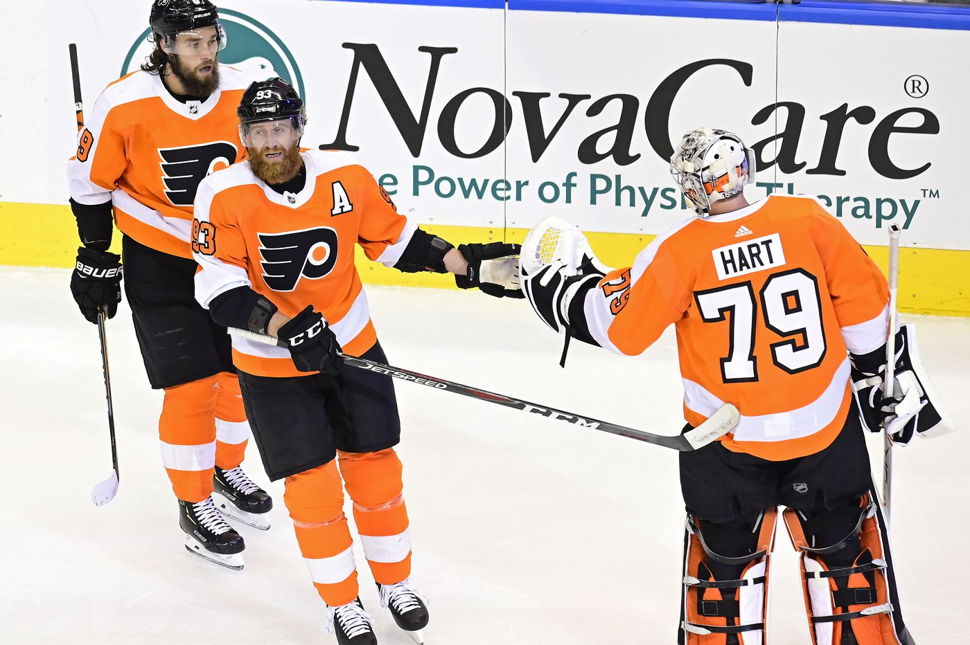 Will Flyers coach Alain Vigneault show faith in 'group that brought you to the dance?'