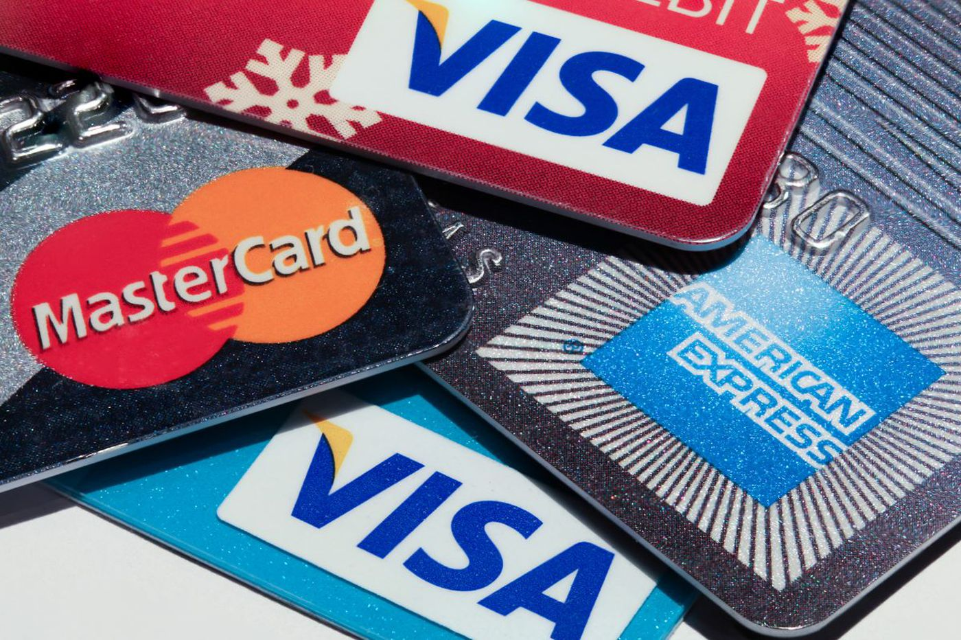 Credit card defaults on the rise as holiday bills come due