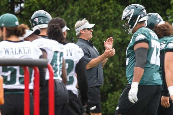 Eagles practice observations: Jason Peters inches along; Sidney Jones sidelined; Fletcher Cox and Nigel Bradham absent