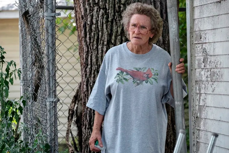 """This image released by Netflix shows Glenn Close in a scene from """"Hillbilly Elegy."""""""