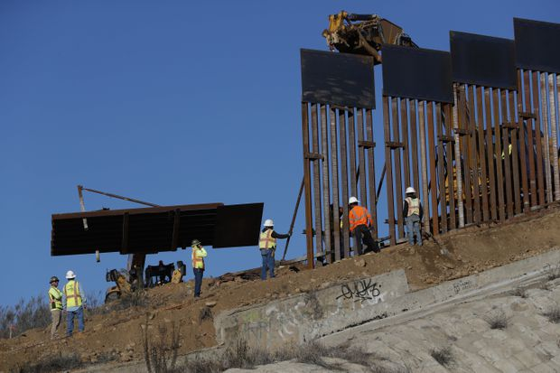 Trump's wall ultimatum boxes in GOP lawmakers