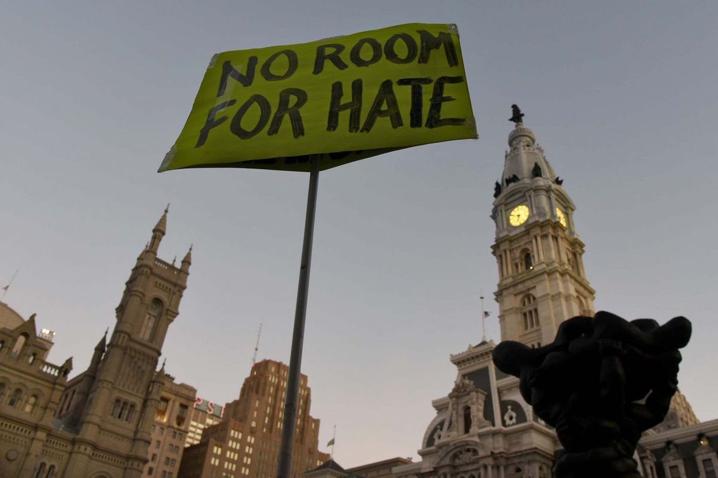 Several hundred, including Wolf and Kenney, attend Phila. vigil for Las Vegas victims