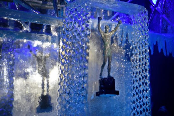 I tried Philly's first ice bar, at Clubhouse Sports Lounge, so you don't have to
