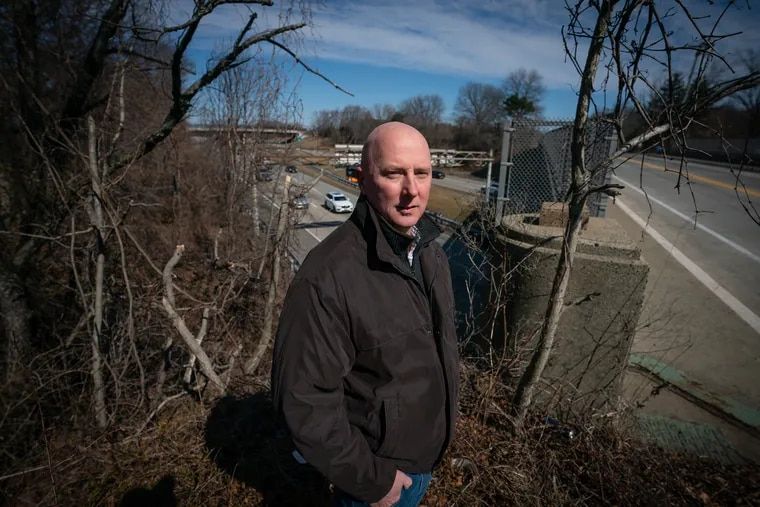 Mark Matthews, shown here near the 42 Freeway, writes a blog about about the South Jersey highways, in New Jersey, Thursday, February 28, 2019.
