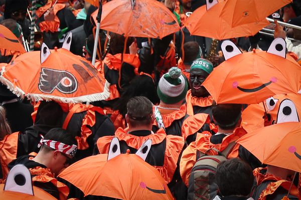 Philly disqualifies Mummers brigade for 'use of blackface' in Gritty-themed costumes