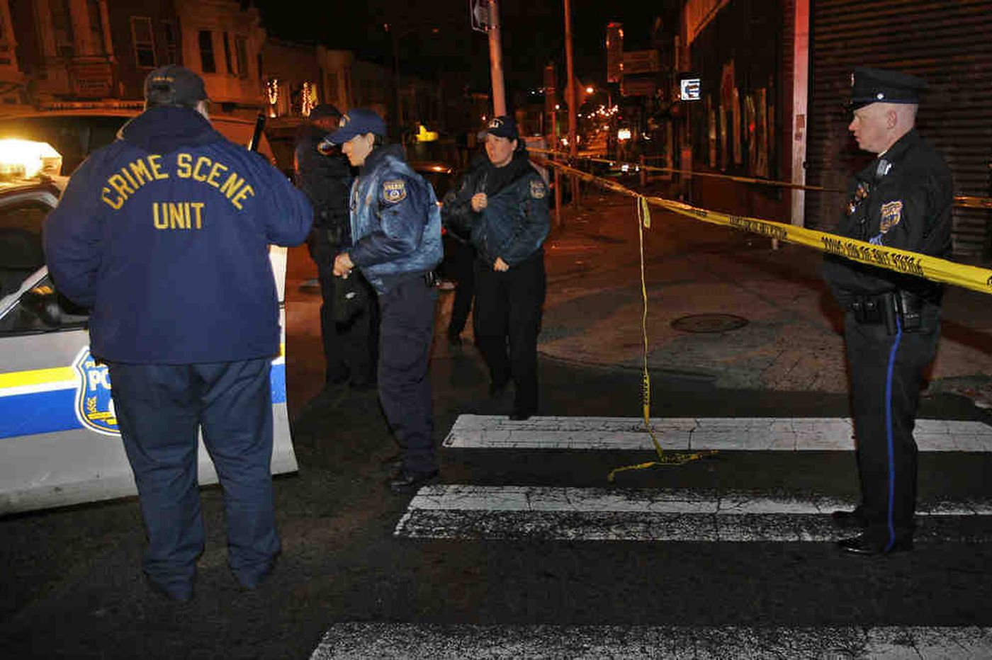 Search for gunman who wounded officer in North Philly