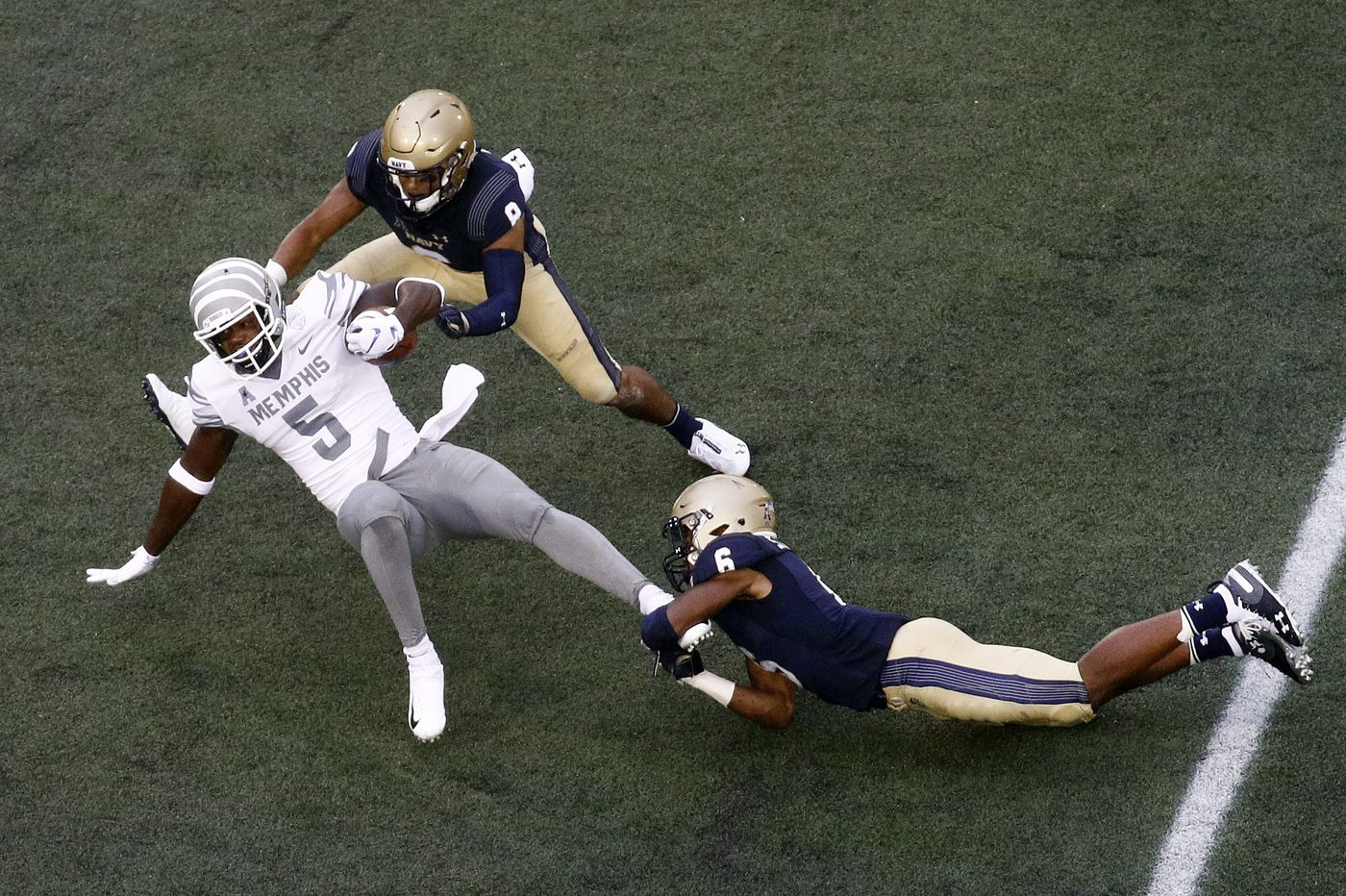 Sean Williams keeps Navy players positive during disappointing season