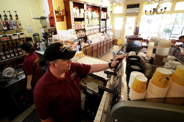 This fourth-generation Italian Market coffee shop isn't worried about Starbucks, Wawa