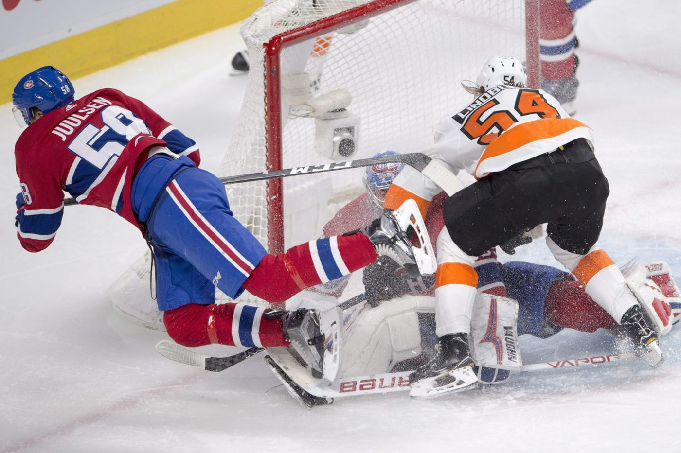 Flyers outlast Habs and climb into first place in Metro
