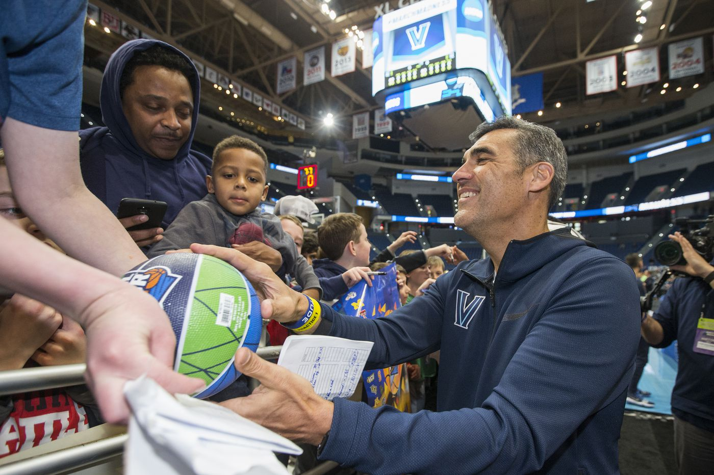 NCAA Tournament: Villanova's young players take on another challenge against St. Mary's