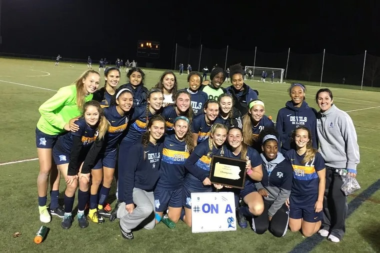 The Springside Chestnut Hill girls' soccer team defeated Episcopal Academy, 1-0, in Wednesday's PAISAA championship game at Immaculata University.
