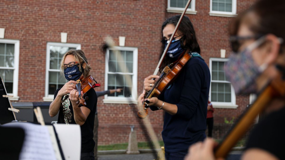 Musicians play outside Delaware County courthouse to promote voter participation