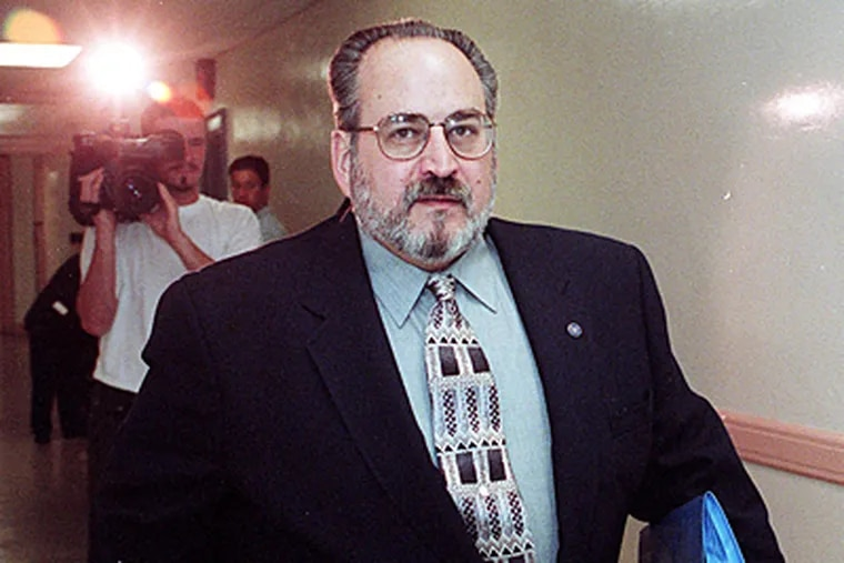 File photo of Len Jenoff arriving in court during a grand jury hearing in 1997.