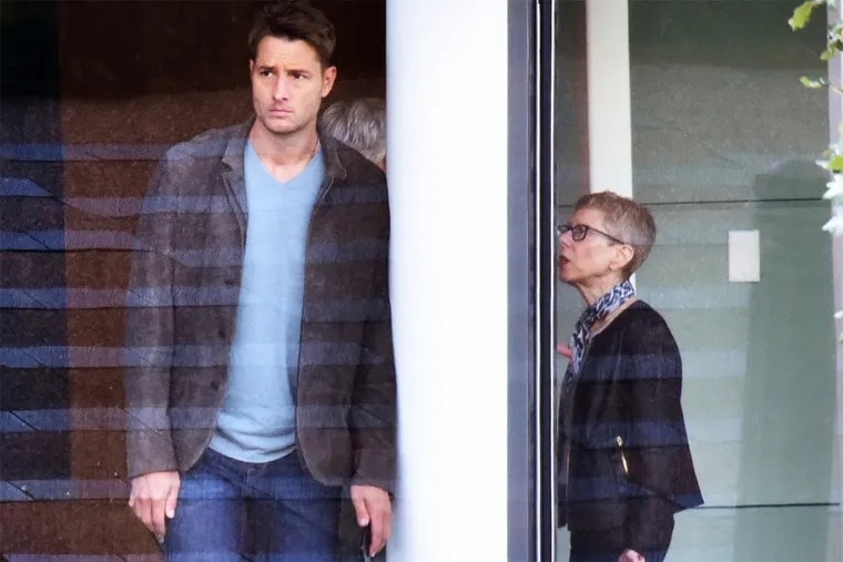 This Is Us star Justin Hartley (l) with Fresh Air host Terry Gross at the WHYY studios in Center City Philadelphia on Aug. 25, 2018.