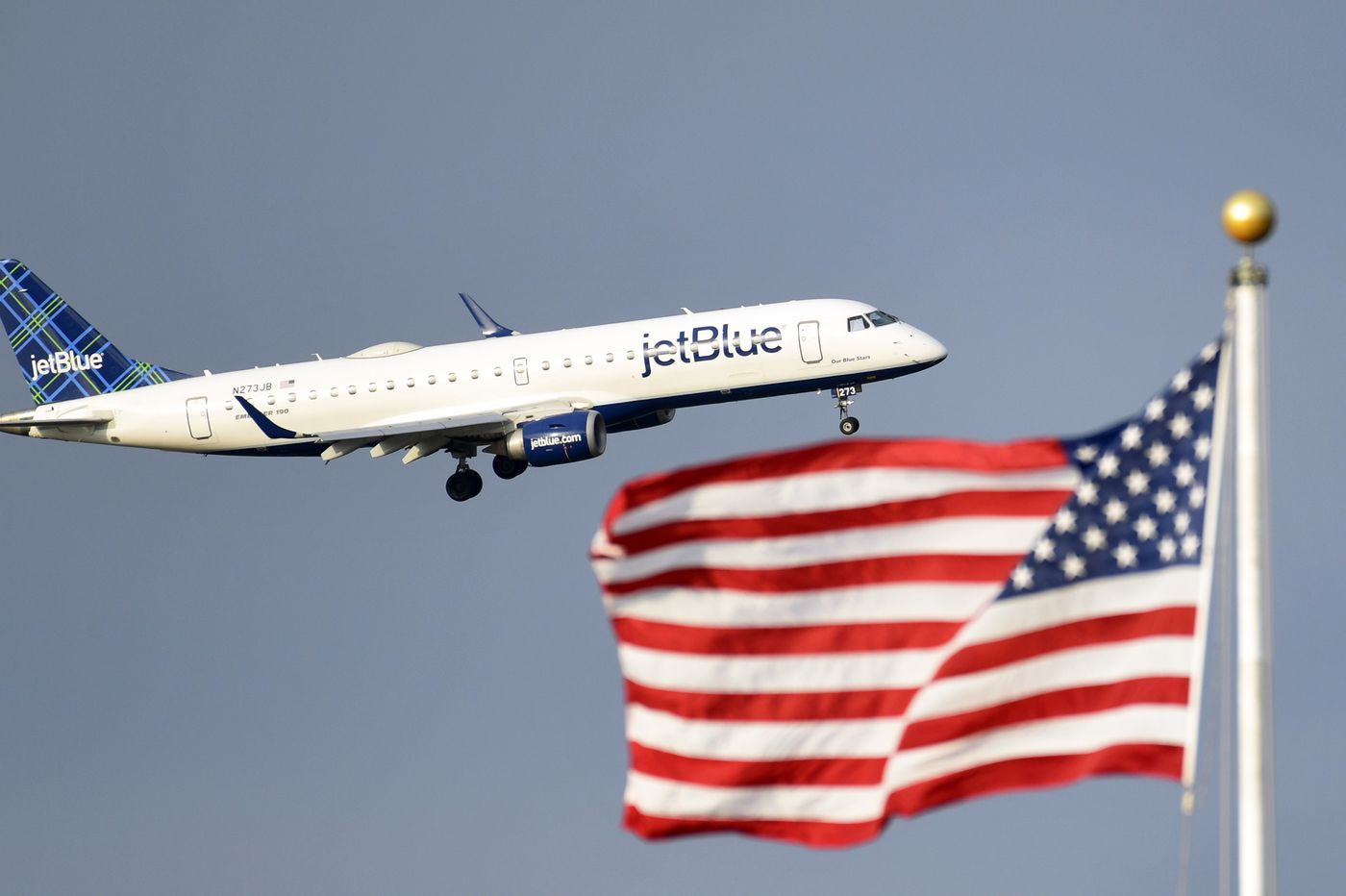 JetBlue to offer flights to London from N.Y. and Boston