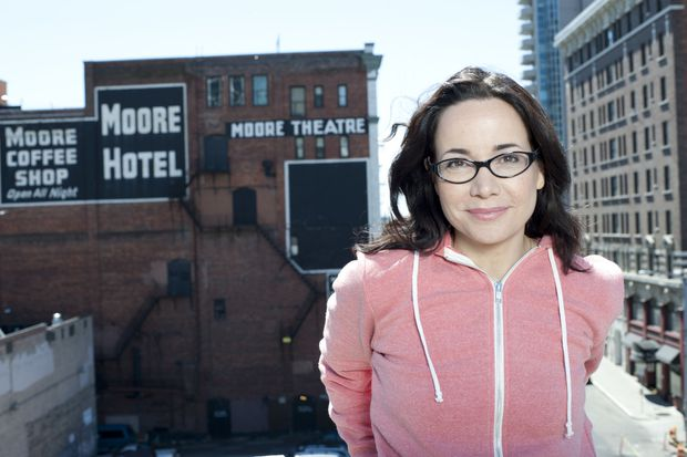 Why does Janeane Garofalo want to play a 50-seat theater in Chinatown rather than a bigger comedy club?