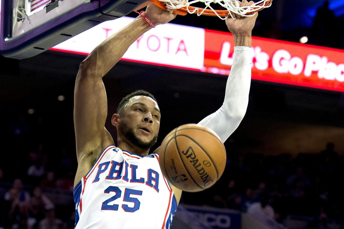 Ben Simmons leaves Sixers-Magic game with back tightness in first quarter