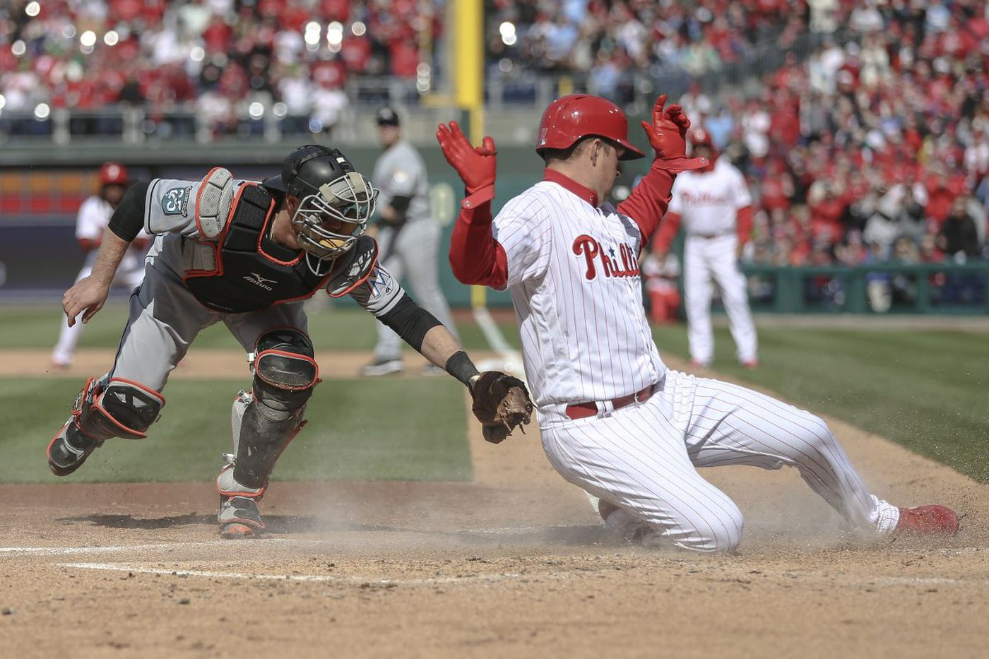 Cheers for Maikel Franco, Phillies in home-opener win, but boo birds come for Gabe Kapler