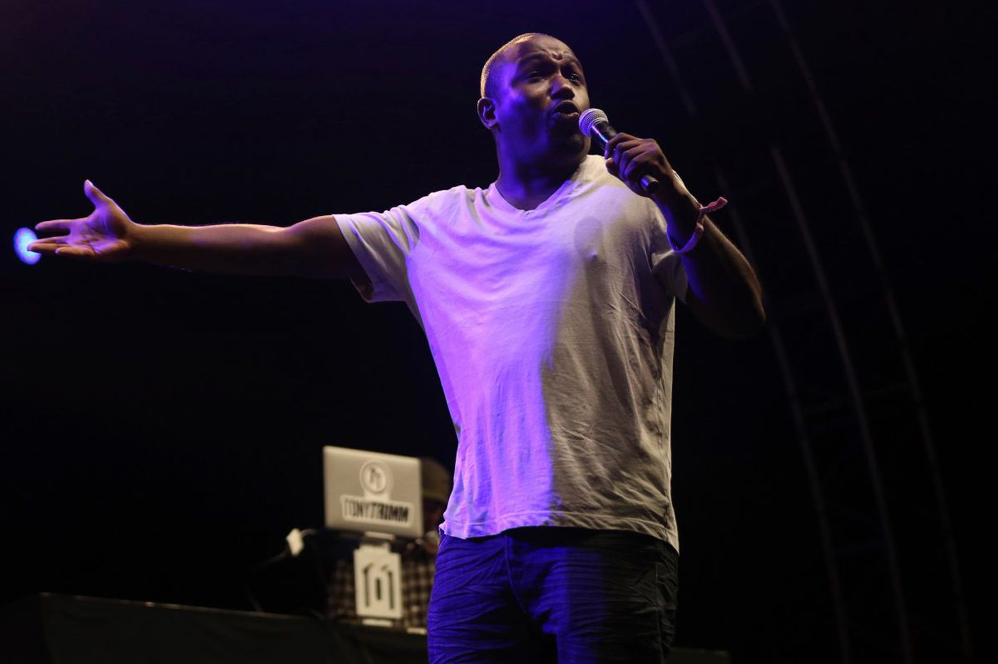 Hannibal Buress stays away from Cosby jokes at Merriam Theater stop