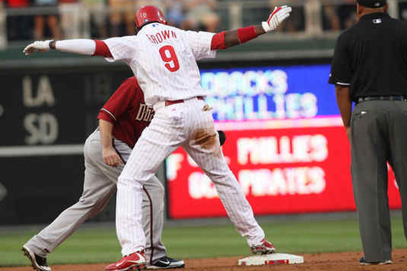 Domonic Brown lives up to hype in Phillies debut