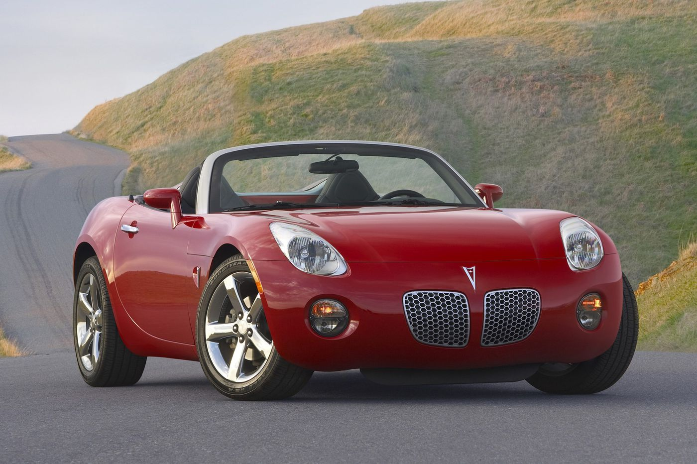 A roadster you just can't get over: The Pontiac Solstice | Al Haas