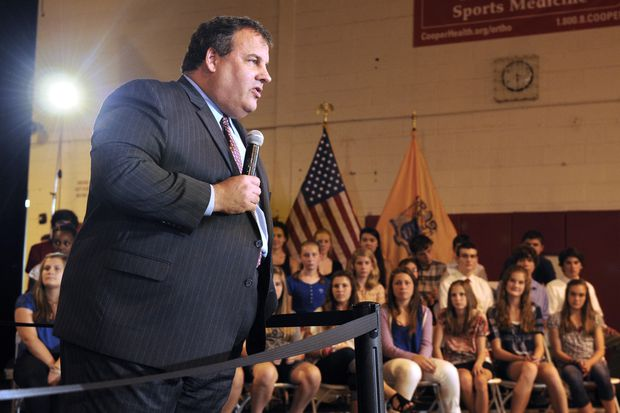 Chris Christie's book: Trump surrounded by 'amateurs, grifters, weaklings,' and 'felons'