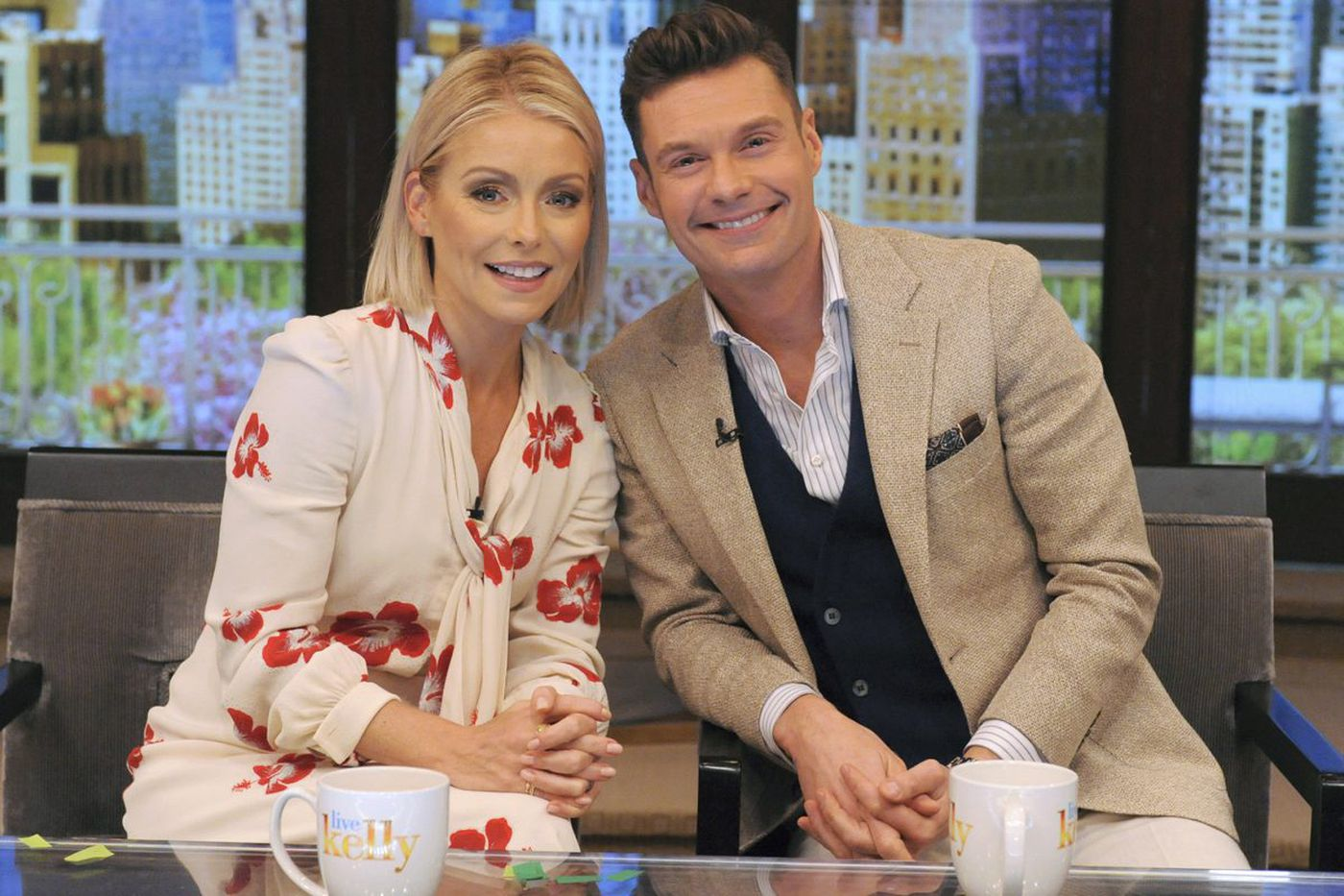 Ryan Seacrest to host 'Idol' reboot for ABC
