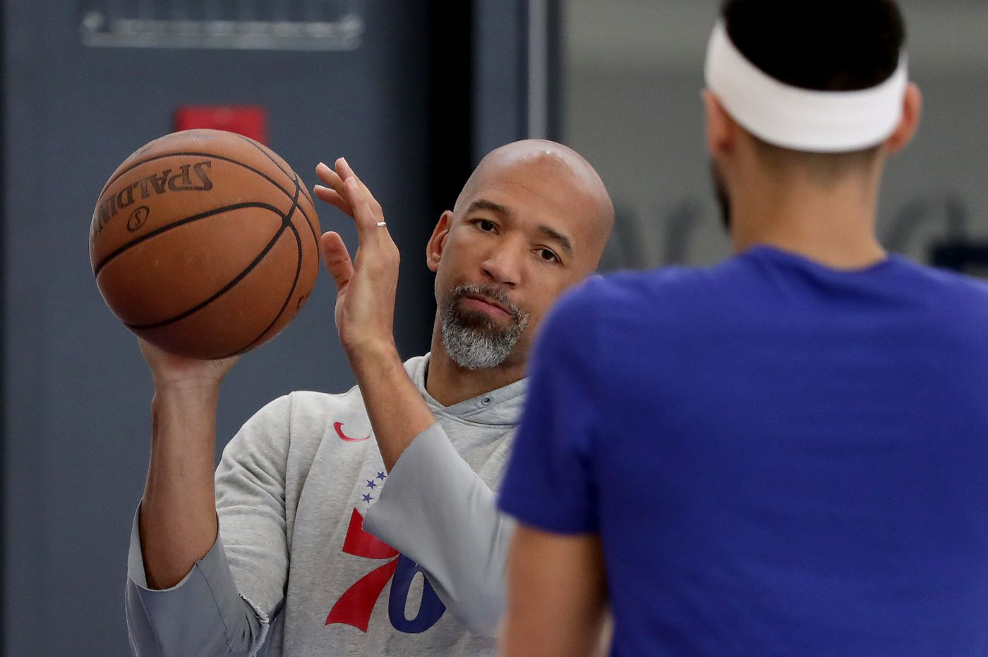 Phoenix Suns to interview Sixers assistant Monty Williams